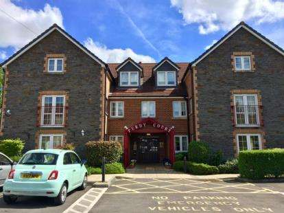 1 Bedroom Flat for sale in Purdy Court, New Station Road, Bristol