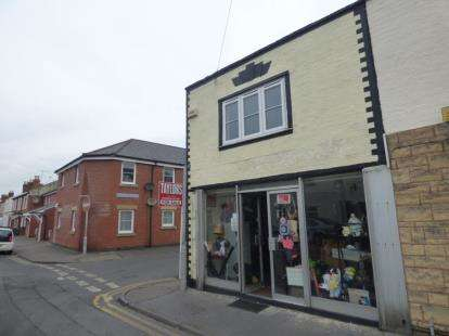 1 Bedroom End Of Terrace House for sale in Ryecroft Street, Gloucester, Gloucestershire