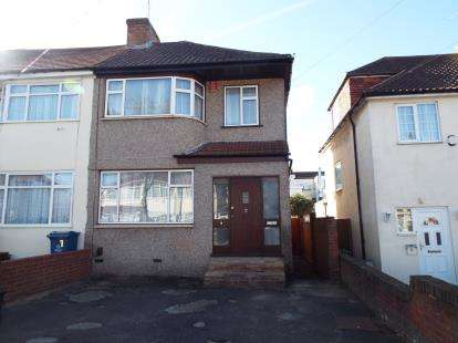 3 Bedrooms End Of Terrace House for sale in Millais Gardens, Edgware