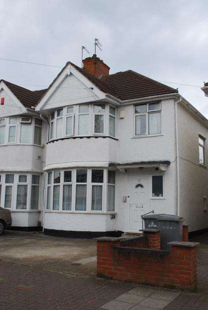 3 Bedrooms Semi Detached House for sale in Girton Avenue, London