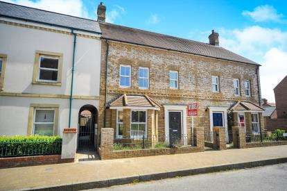 3 Bedrooms Semi Detached House for sale in Ewden Close, Swindon, Wiltshire