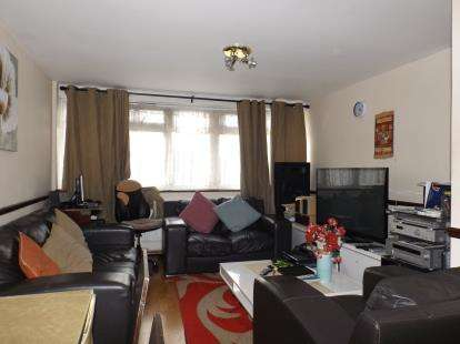 2 Bedrooms Flat for sale in Blaydon Close, Northumberland Park, London