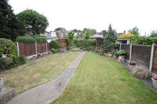 3 Bedrooms Bungalow for sale in Downbank Avenue, Bexleyheath