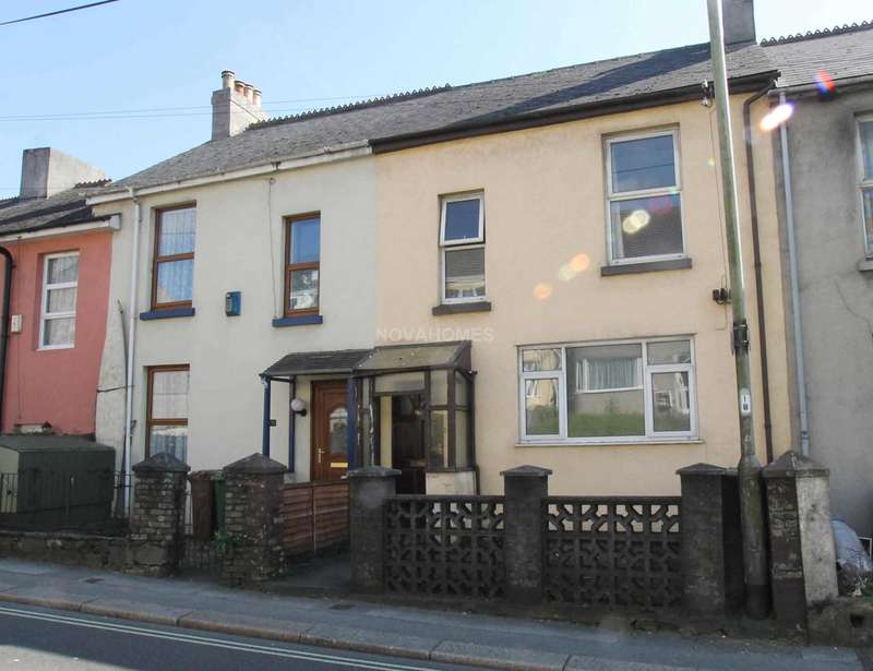 3 Bedrooms Terraced House for sale in Old Laira Road, Laira, PL3 6AD
