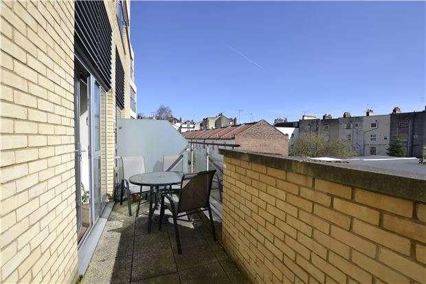 1 Bedroom Maisonette Flat for sale in Armidale Place, Montpelier. Bristol, BS6 5BQ