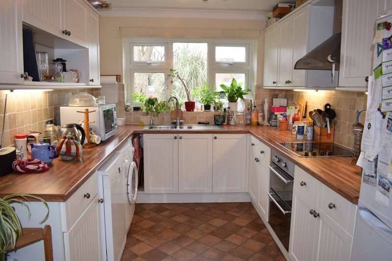 4 Bedrooms Detached House for sale in Staple Drive, STAPLEHURST