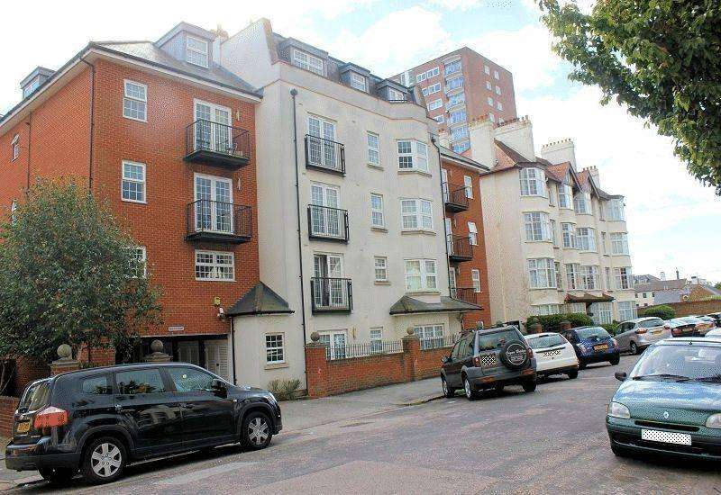 1 Bedroom Apartment Flat for sale in Alexandra Road, Southend-on-Sea