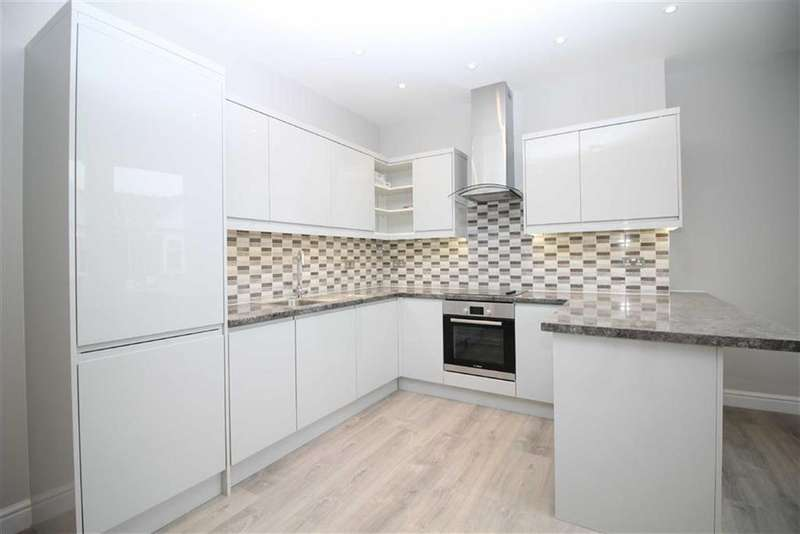 3 Bedrooms Apartment Flat for sale in High Street, Southend-On-Sea, Essex