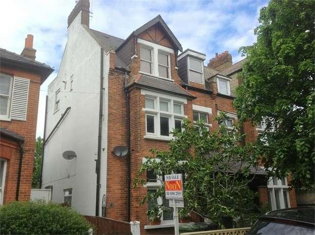1 Bedroom Flat for sale in Randolph Road, Epsom