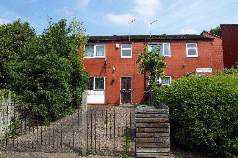 3 Bedrooms Town House for sale in Westfield Road, Leeds