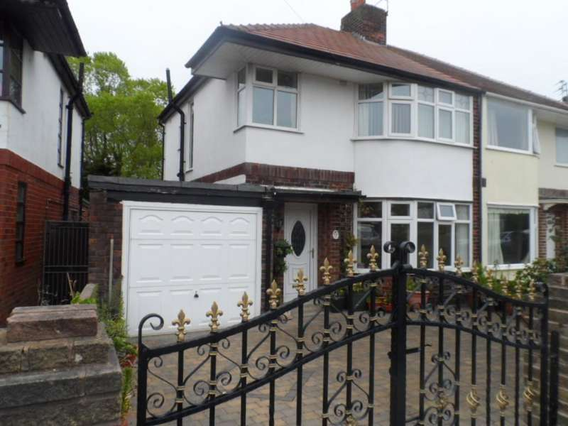 3 Bedrooms Semi Detached House for sale in Winton Avenue, Blackpool, FY4 4HT