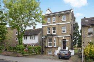 2 Bedrooms Flat for sale in Canning Road, Croydon