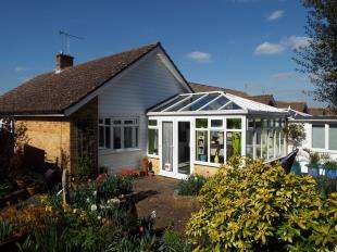 4 Bedrooms Bungalow for sale in Mill Gardens, Ringmer, Lewes, East Sussex