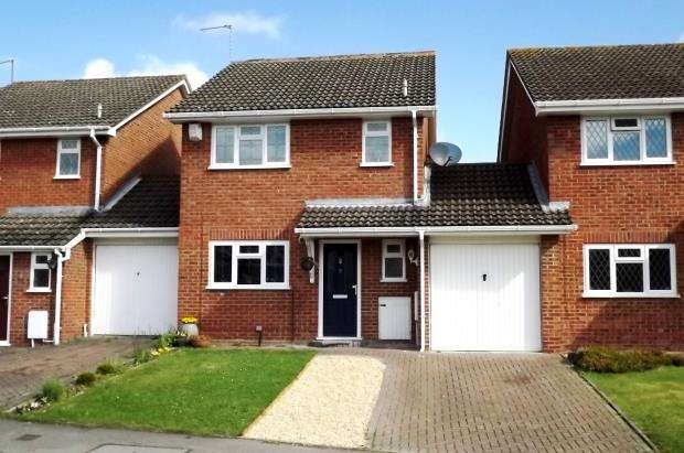 3 Bedrooms Link Detached House for sale in Hook, Hampshire