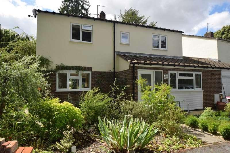 4 Bedrooms Link Detached House for sale in St Leonards Close, Watlington