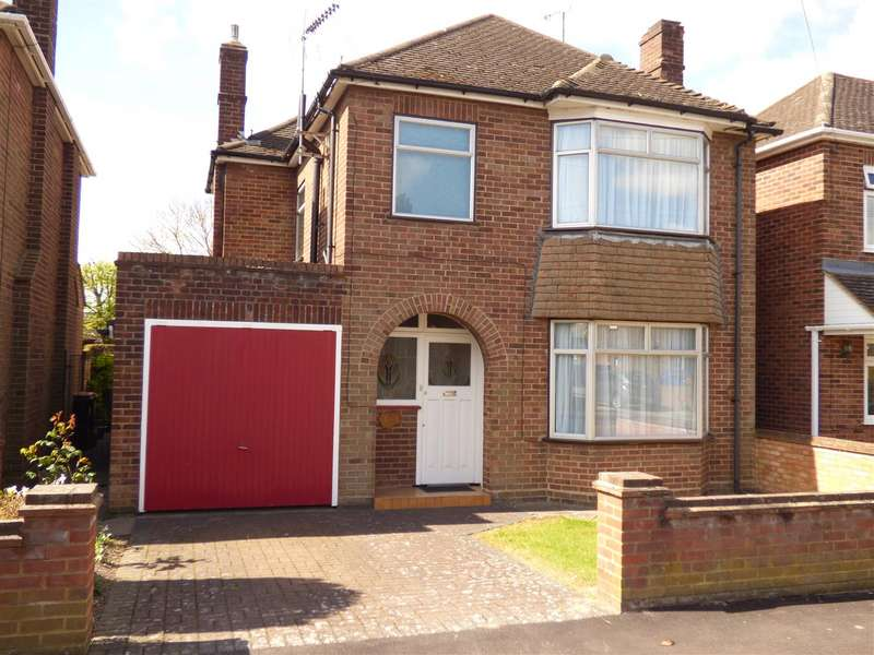 3 Bedrooms Property for sale in Douglas Crescent, Houghton Regis, Dunstable