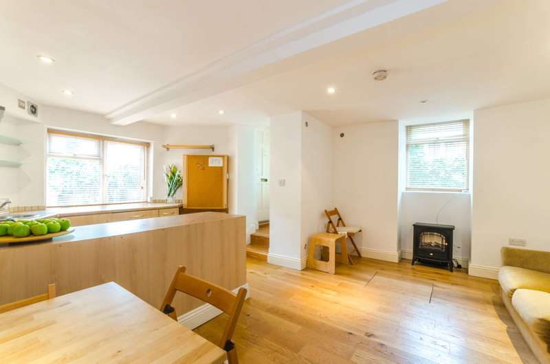 1 Bedroom Flat for sale in Woodland Gardens, Muswell Hill, N10