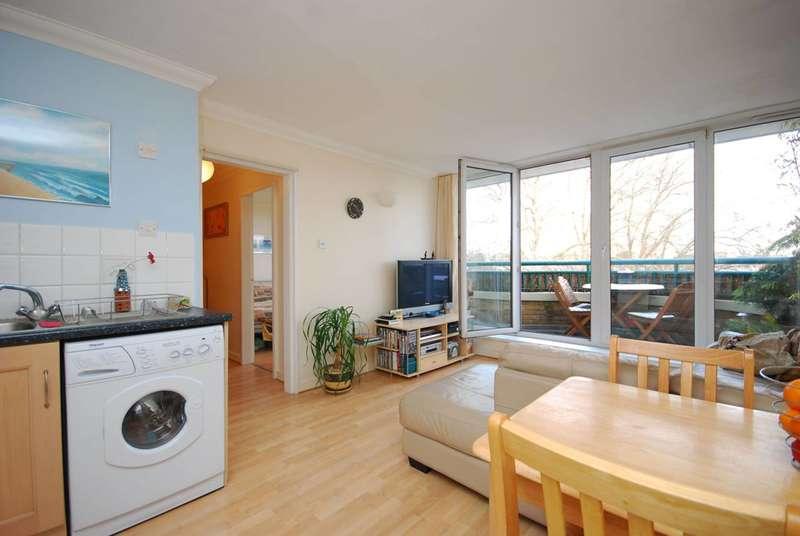 1 Bedroom Flat for sale in Stoke Newington High St, Stoke Newington, N16