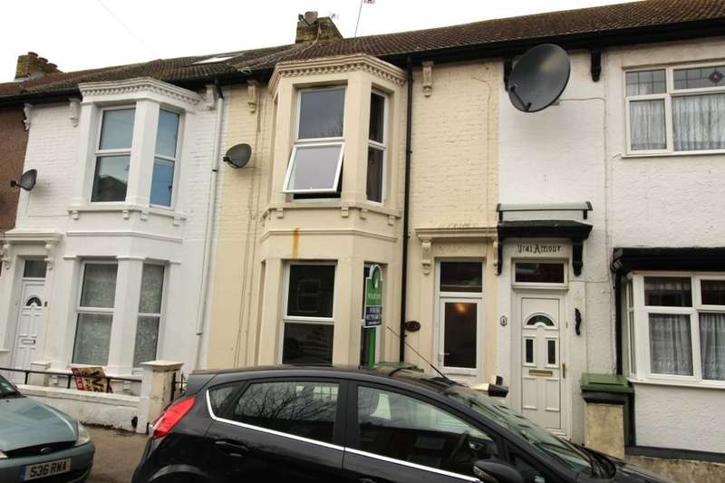 3 Bedrooms Property for sale in Alma Road, Sheerness, ME12