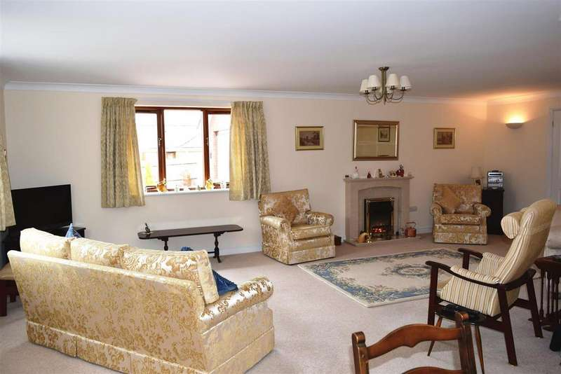 3 Bedrooms Detached Bungalow for sale in Hampton Park, Bideford