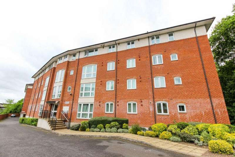 2 Bedrooms Apartment Flat for sale in Kings Place, Hatfield, AL9