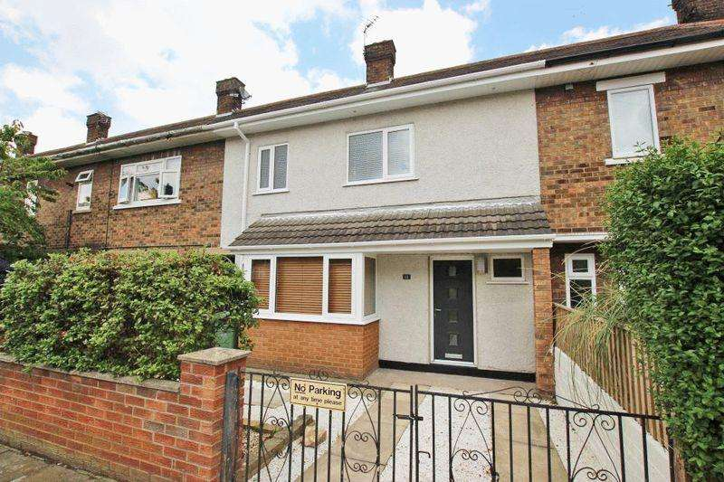 3 Bedrooms Terraced House for sale in CHAPMAN GROVE, CLEETHORPES