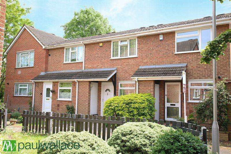 2 Bedrooms Terraced House for sale in Robertson Close, Turnford