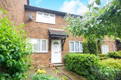 2 Bedrooms Terraced House for sale in Marshalls Close, London