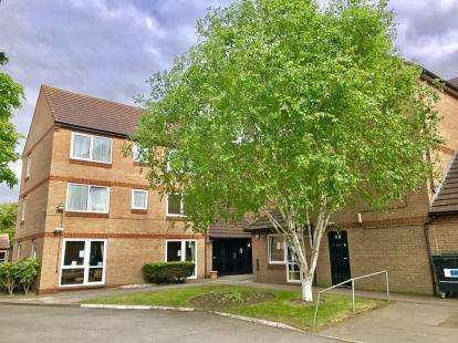 1 Bedroom Flat for sale in 128 Beehive Lane, Ilford
