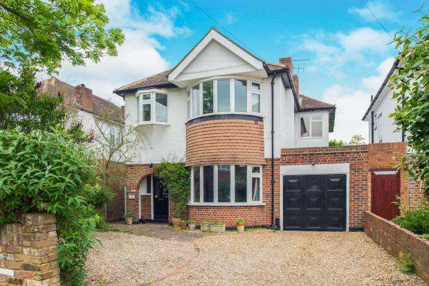 4 Bedrooms Detached House for sale in East Molesey, Surrey, .