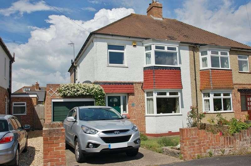 3 Bedrooms Property for sale in St. Marks Close, Alverstoke, Gosport