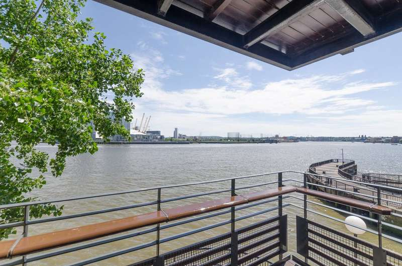 2 Bedrooms Flat for sale in Raleana Road, Canary Wharf, E14