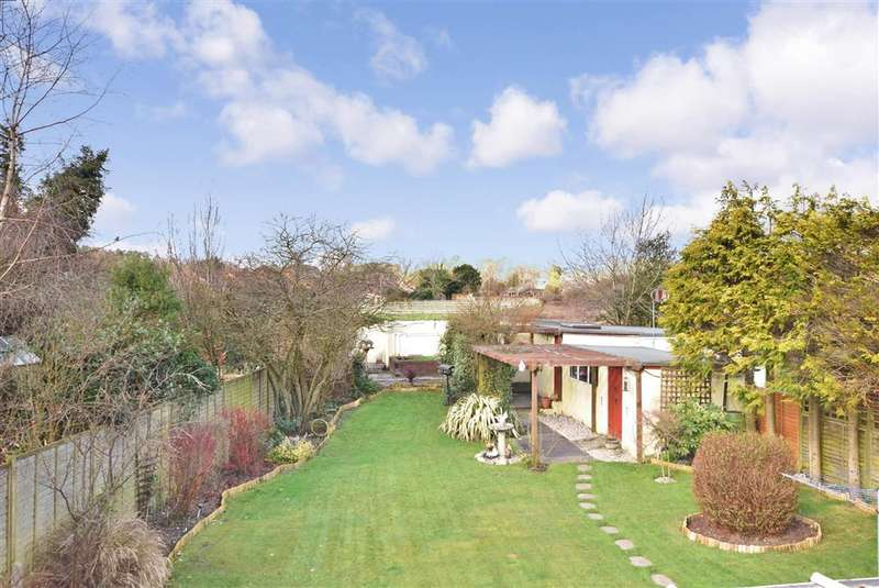 4 Bedrooms Bungalow for sale in Ingoldfield Lane, Newtown, Fareham, Hampshire