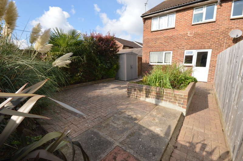 1 Bedroom Ground Flat for sale in Carisbrooke Court, New Milton