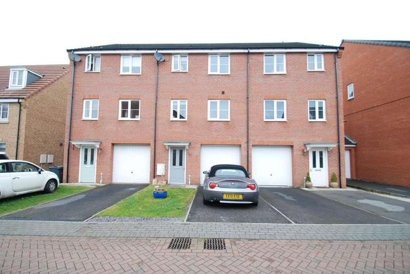 4 Bedrooms Town House for sale in Highfield Knoll, Penistone, Sheffield