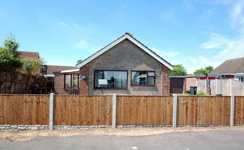 2 Bedrooms Detached Bungalow for sale in Pyghtle Close, Trunch