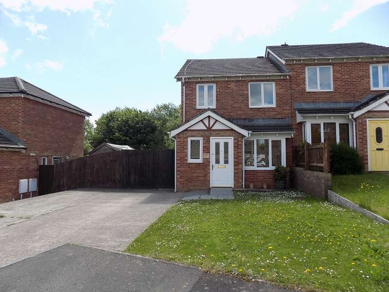 3 Bedrooms Semi Detached House for sale in Pen Llwyn, Broadlands, Bridgend. CF31 5AZ