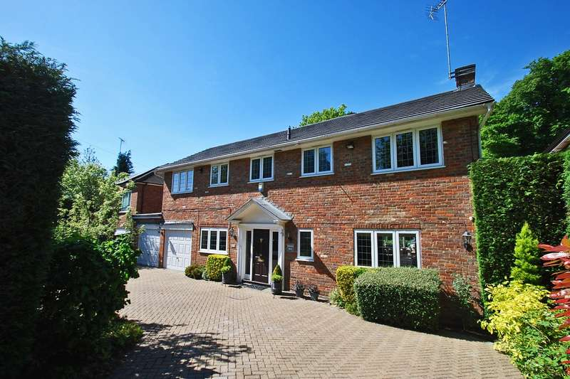 4 Bedrooms Detached House for sale in Burgess Wood Grove, Beaconsfield, HP9