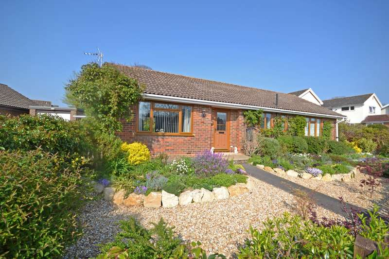 3 Bedrooms Bungalow for sale in Downlands, Pulborough, West Sussex, RH20