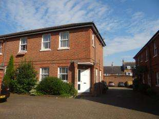 3 Bedrooms End Of Terrace House for sale in Kirbys Lane, Canterbury