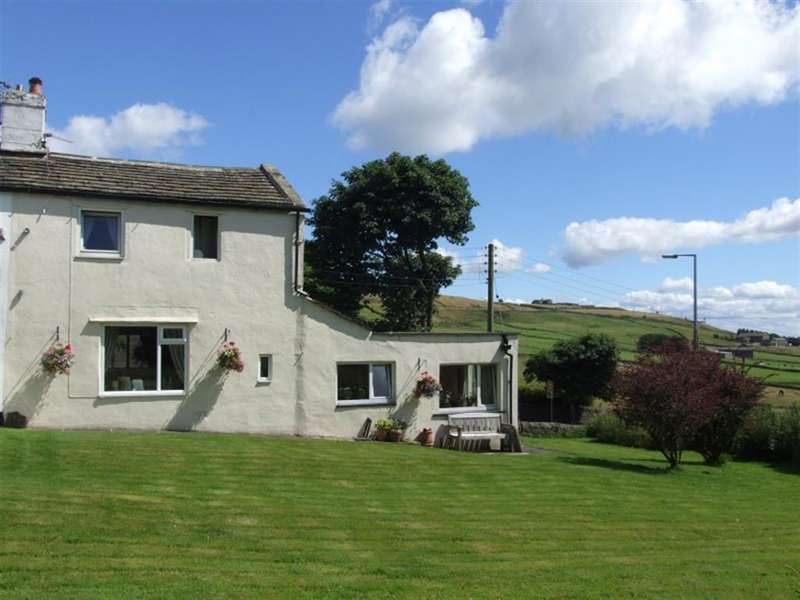 2 Bedrooms End Of Terrace House for sale in Windy Ridge Cottage, Causeway Foot, Ogden, Halifax HX2 8YB