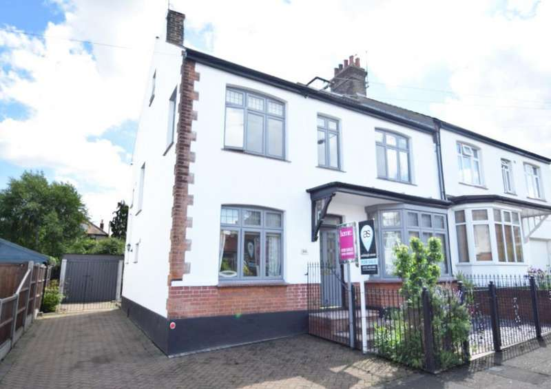 5 Bedrooms Semi Detached House for sale in Nelson Road, Leigh on Sea SS9