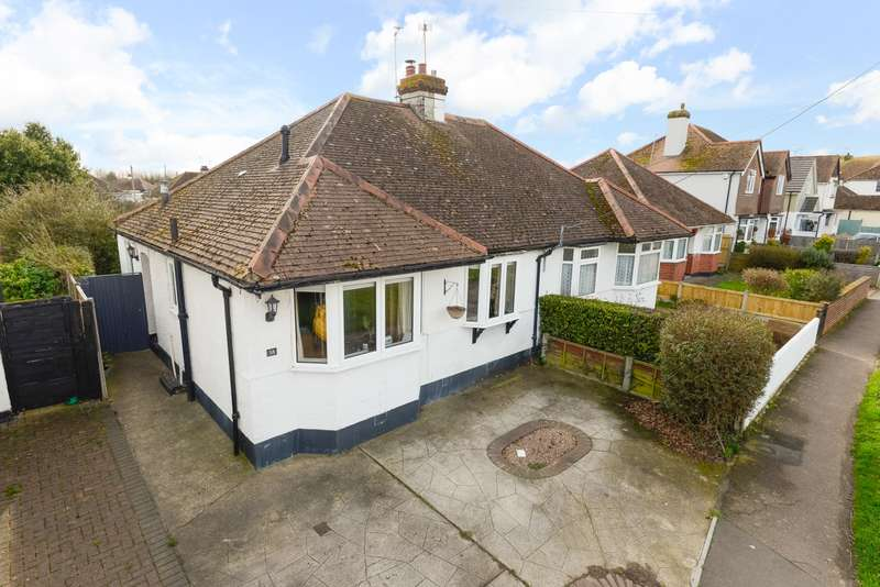 2 Bedrooms Bungalow for sale in St Johns Road, Swalecliffe, Whitstable, CT5