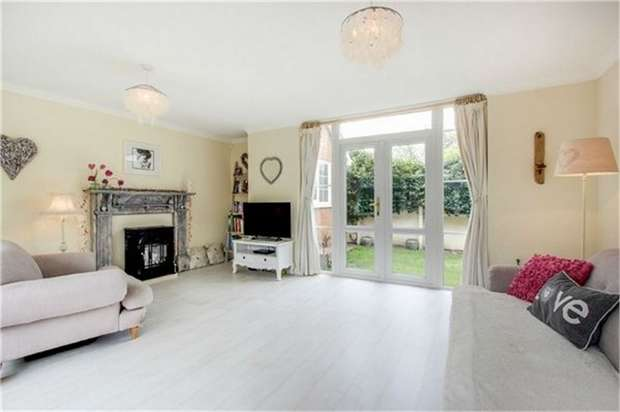 3 Bedrooms Detached House for sale in Clarendon Road, Lytham St Annes, Lancashire