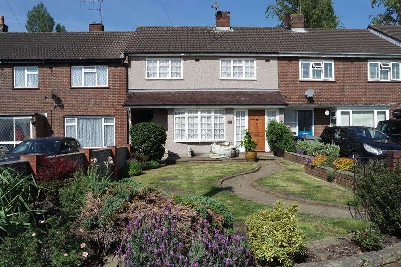 4 Bedrooms Terraced House for sale in Hertford Road, Barnet