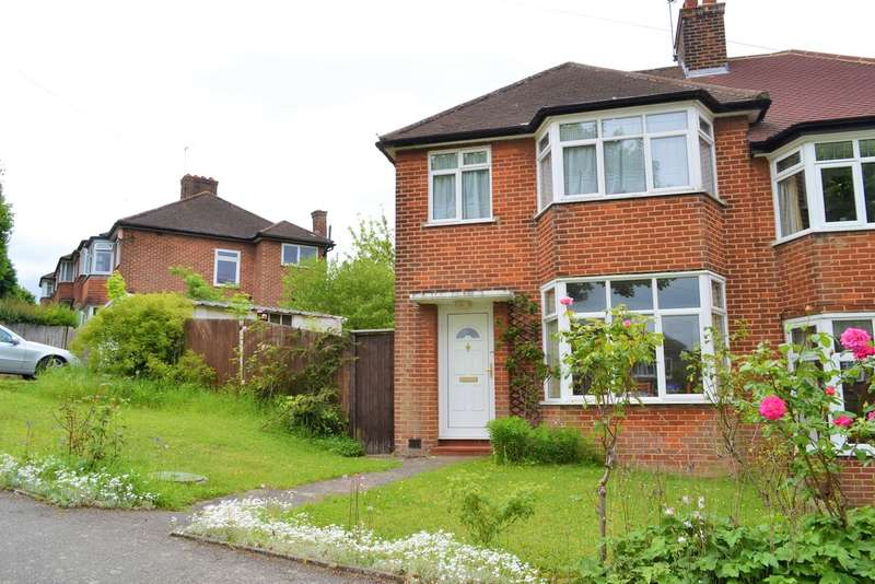 3 Bedrooms Semi Detached House for sale in Derwent Drive, Purley, CR8 1EQ