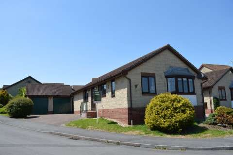 3 Bedrooms Detached Bungalow for sale in Westmarch Way, Worle, Weston-super-Mare