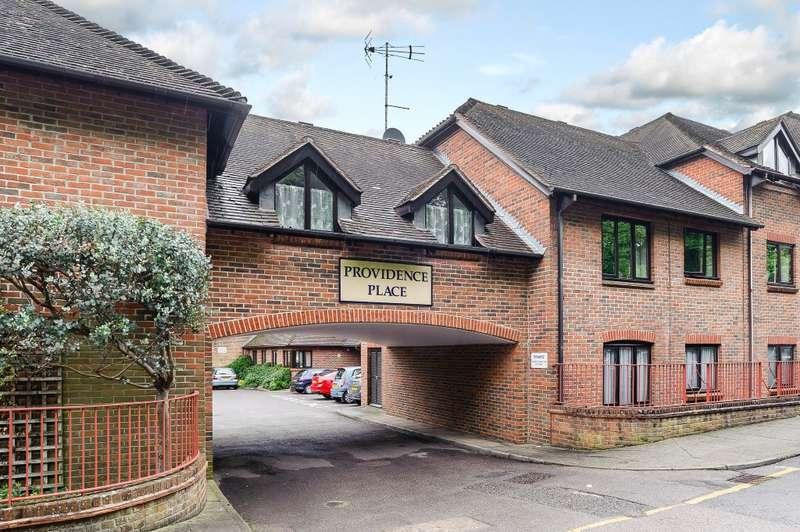 2 Bedrooms Retirement Property for sale in Farnham