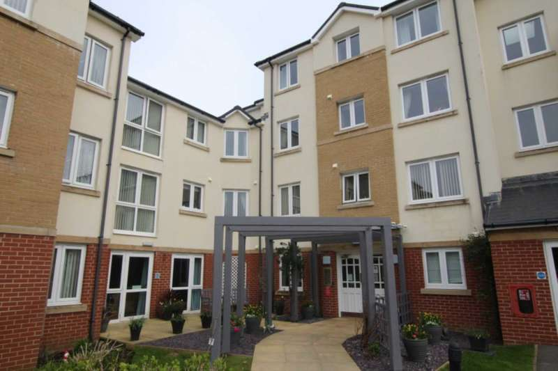 1 Bedroom Flat for sale in Cwrt Hywel, Gorseinon, Swansea SA4 4NW