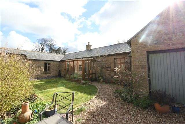 3 Bedrooms Detached House for sale in Howard Arms Lane, Brampton, Cumbria, CA8 1NH
